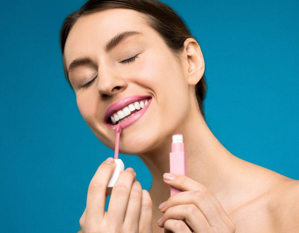 Come avere denti bianchi e sani: i consigli di beauty routine